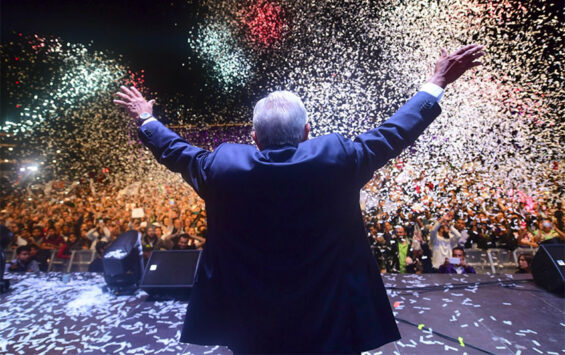 amlo in zocalo